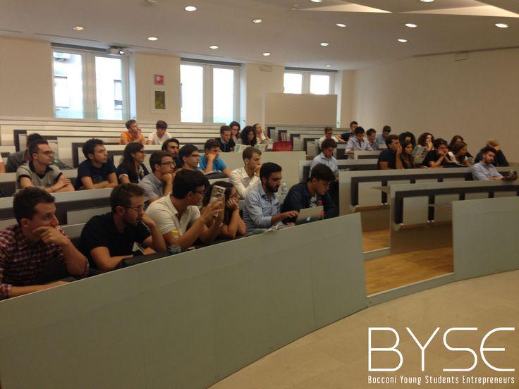 La Business competition realizzata per le Matricole durante la Welcome Week 2014 dell'Università Bocconi