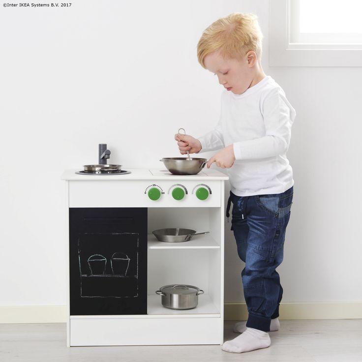 Mini bucătăria NYBAKAD permite micilor bucătari să se lase în voia imaginaţiei şi să creeze multe preparate delicioase.