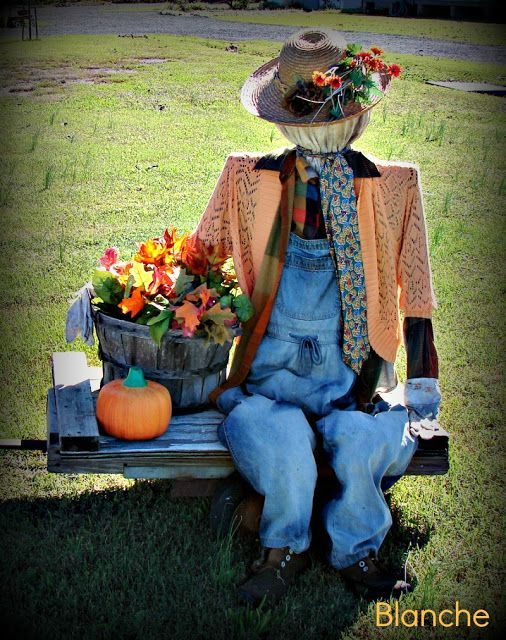 237 best images about scarecrows garden ladies and men for Scarecrow home decorations co ltd