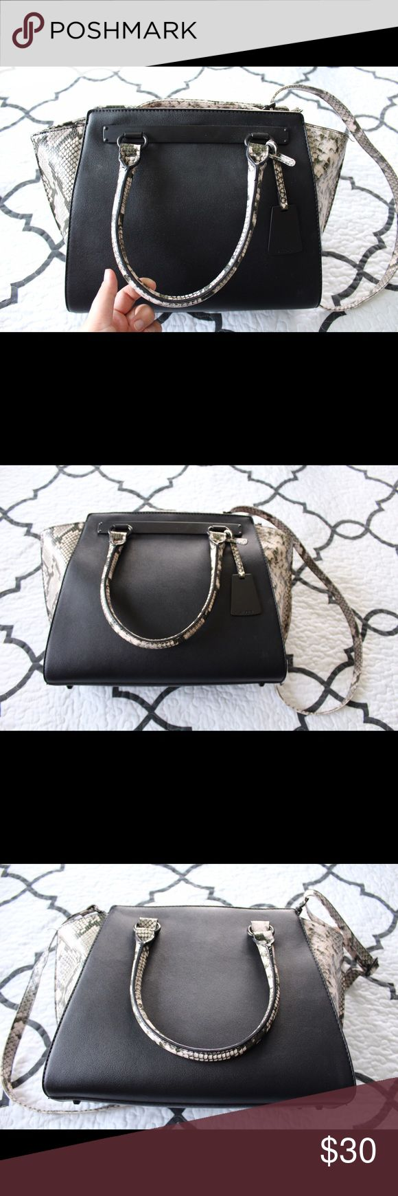Aldo Macnutt Tote Bag A brand new Aldo tote bag with a ton of space inside! Barely used once or twice and then sat in my closet for two years in excellent condition! It is a black leather color-block bag with faux snakeskin details. Aldo Bags Shoulder Bags