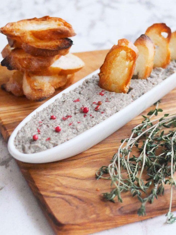 きのこは1種類のみを使って、シンプルな味わいに仕上げてもOK。2~3種類をミックスすると、複雑な風味に。|『ELLE a table』はおしゃれで簡単なレシピが満載!