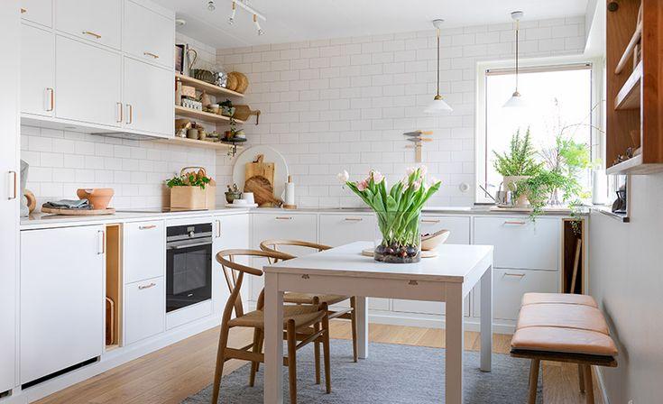 Del 4 - Resultatet. Här ser ni det färdiga köket. Frida Ramstedt, Trendenser, och Mija Kinning, stylist och programledare ska tillsammans med Ballingslöv installera ett nytt kök hemma hos Frida. | Ballingslöv