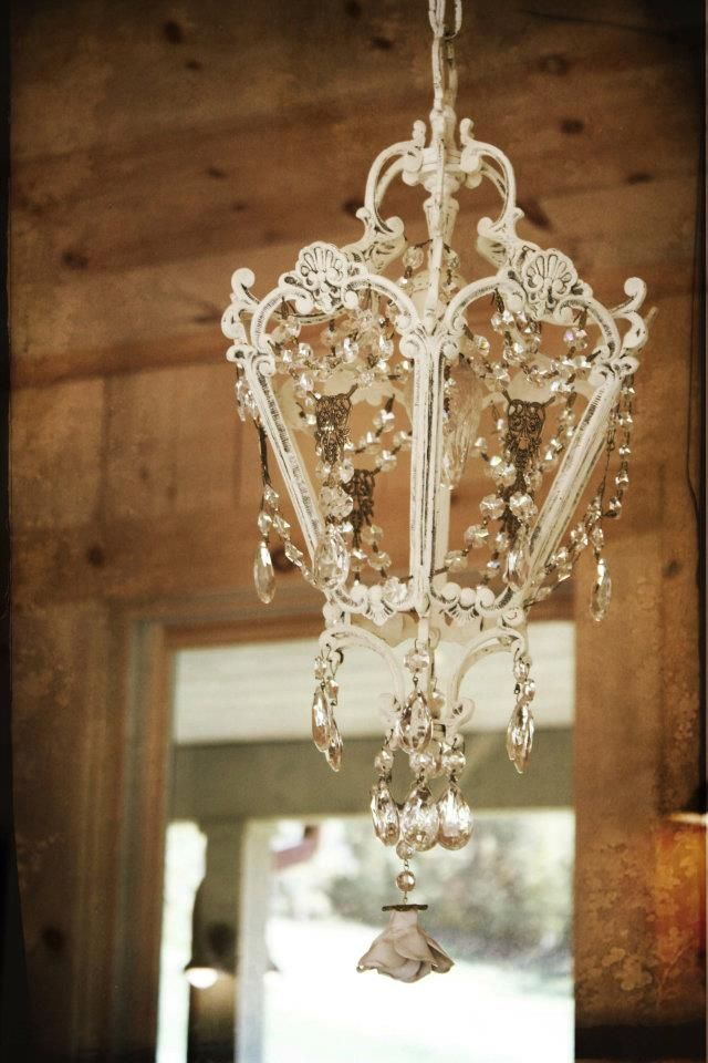 Chandeliers Dress Up Any Room