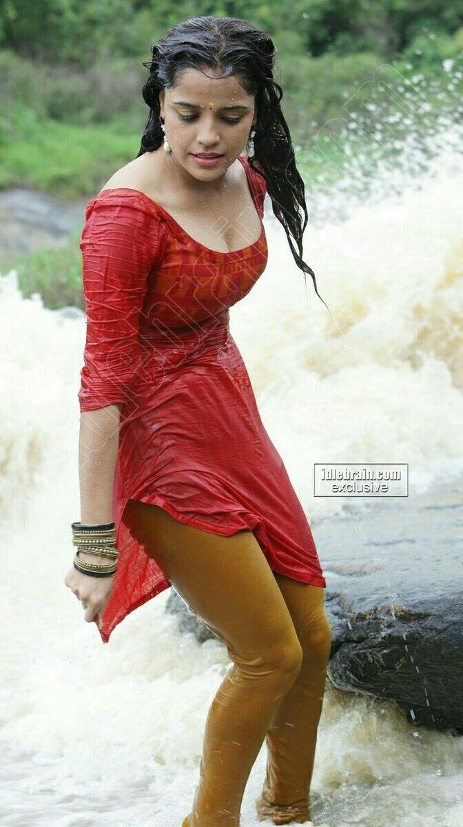wet Indian girls