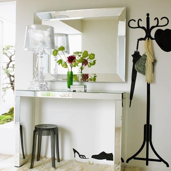 6 Tips For Decorating Rental Apartments - www.savvysugar.com
