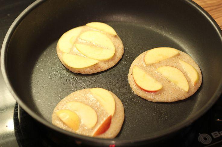 Rezept: Pancakes aus Flohsamenschalen und Eiweißpulver