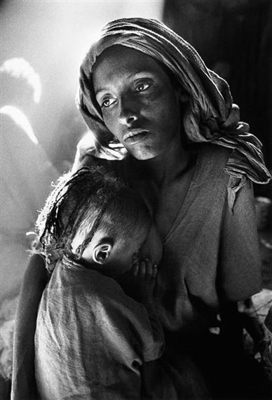 sebastião salgado: mother & child, ethiopia,1984