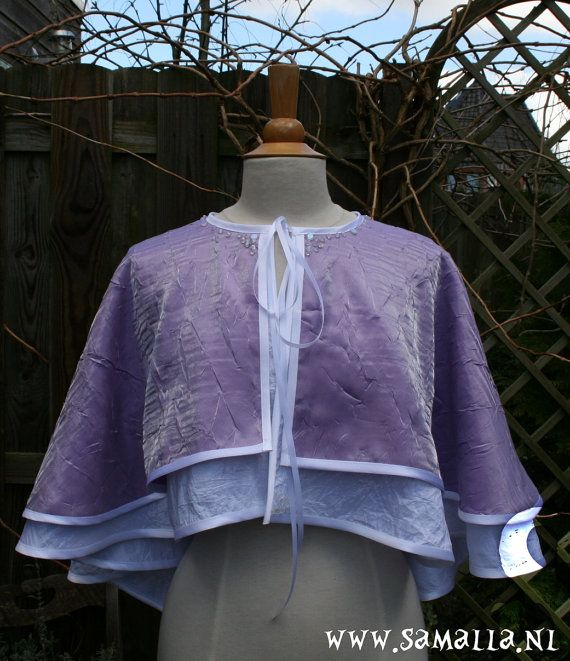 Short Cape in lilac crashed satin and white crashed by SamallaNL