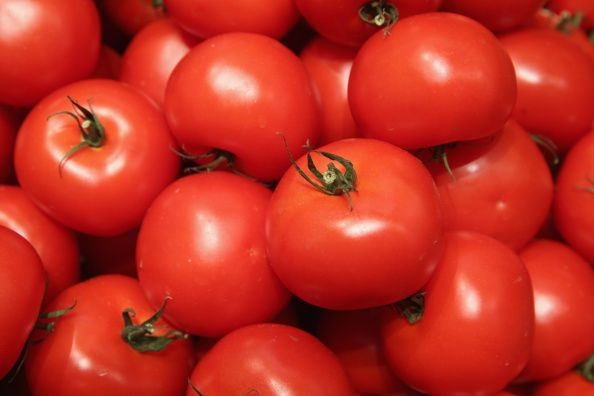 10 Superfoods To Get Better Sleep (Hint: Tomatoes are on the list!) #TomatoWellness