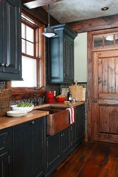 Love the Door-----Muskoka cottage at Oviinbyrd Golf Course - traditional - kitchen cabinets - other metro - Lakehouse Cabinetry Inc.