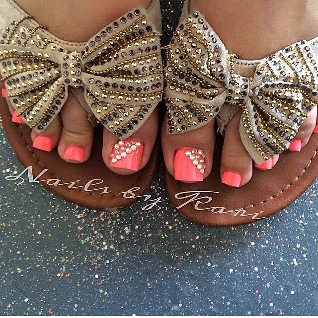 Studs and neon coral and the bow sandals are sooo cute!!♥♥