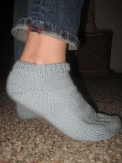 Free Knitting Pattern - Adult Slippers & Socks: Doctor Socks