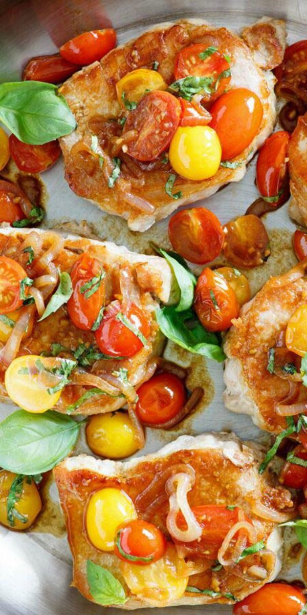Sauté Pork with Tomatoes – tender and juicy pork chops with lots of tomatoes and garlic. So easy and perfect for busy weeknight dinner | rasamalaysia.com
