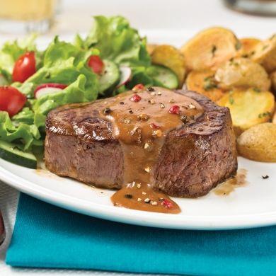 Filets mignons, sauce liqueur d'érable aux quatre poivres - Recettes - Cuisine et nutrition - Pratico Pratique
