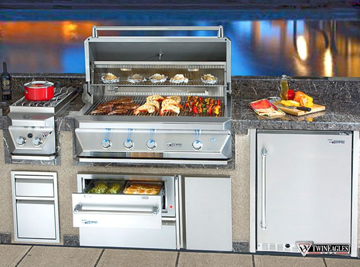 Amazing Twin Eagles Gas BBQ With Warming Drawers