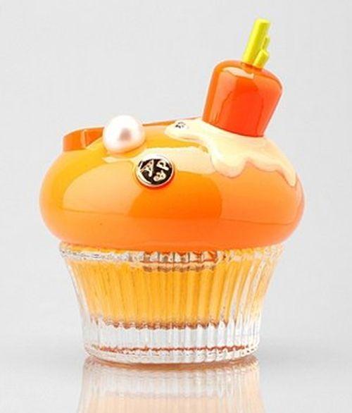 Alice & Peter Bloody Orange Cupcake Perfume. Boy the designers thought of everything.  B.