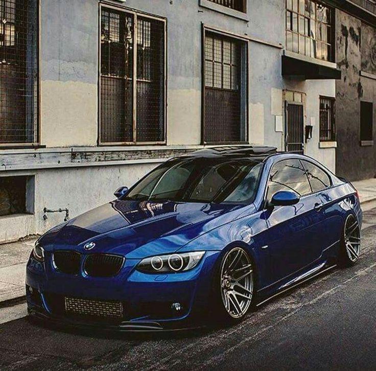BMW E92 3 series blue slammed
