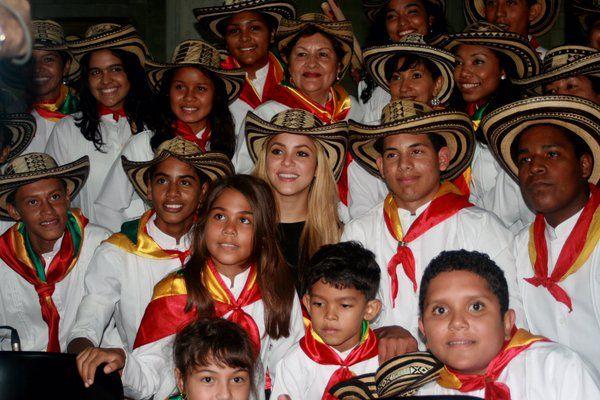 SHAKIRA ♥ Seven years ago this week, Shak opened @fpiesdescalzos' school in Barranquilla! ShakHQ • Hace siete años esta semana, Shak abrió la escuela de la Fundación Pies Descalzos en Barranquilla! Shak. ♥ 11/02/2016