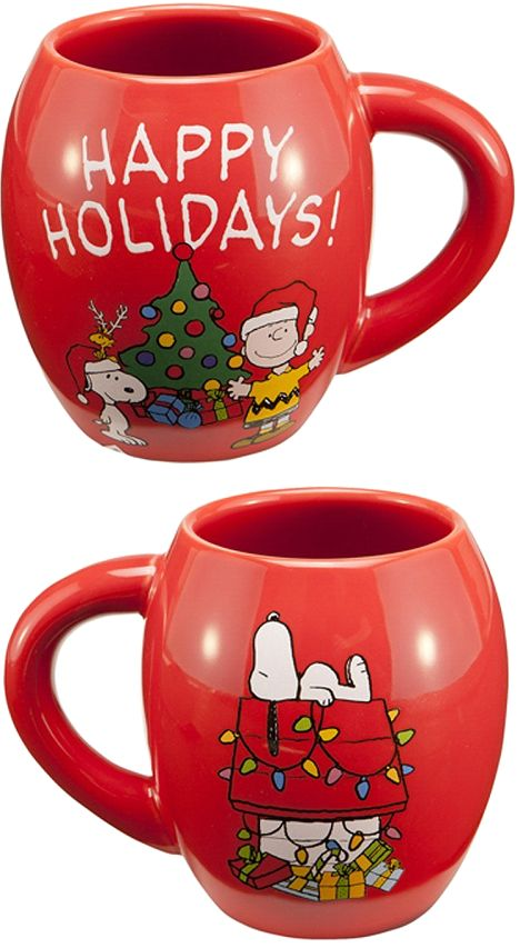 This Christmas coffee mug proclaims Happy Holidays from Snoopy of the Peanuts gang. #charliebrown #coffeemugs