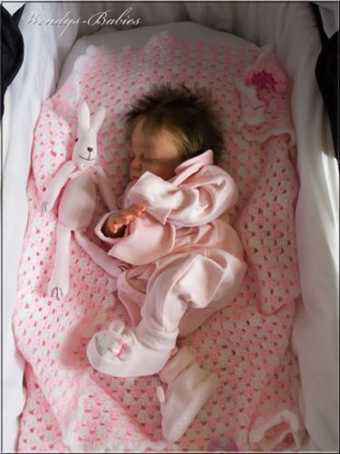 A-WENDYS-BABIES-A-BEAUTIFUL-LIFELIKE-REBORN-NEWBORN-BABY-GIRL-DOLL
