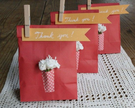 14 creative ways to say thank you: Goodies Bags, Gifts Bags, Gifts Ideas, Paper Bags, Parties Favors, Gifts Wraps, Favors Bags, Thanks You Gifts, Diy Projects