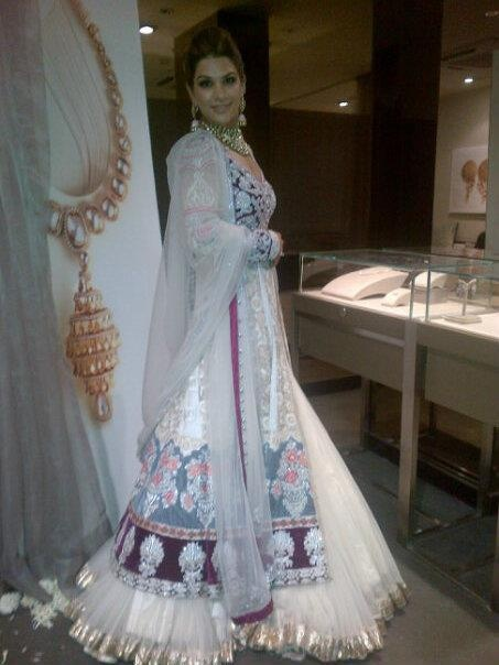 Rimple and Harpreet Narula design, Jewellery by Zoya
