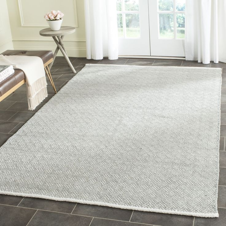 Safavieh's Boston collection is inspired by timeless contemporary designs crafted with the softest cotton available.