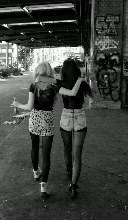 friends   friendship   girls   partners in crime   hanging out   hot pants   mini  