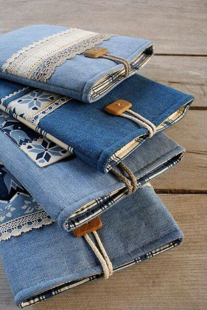 Pochettes jeans et bouts de dentelle