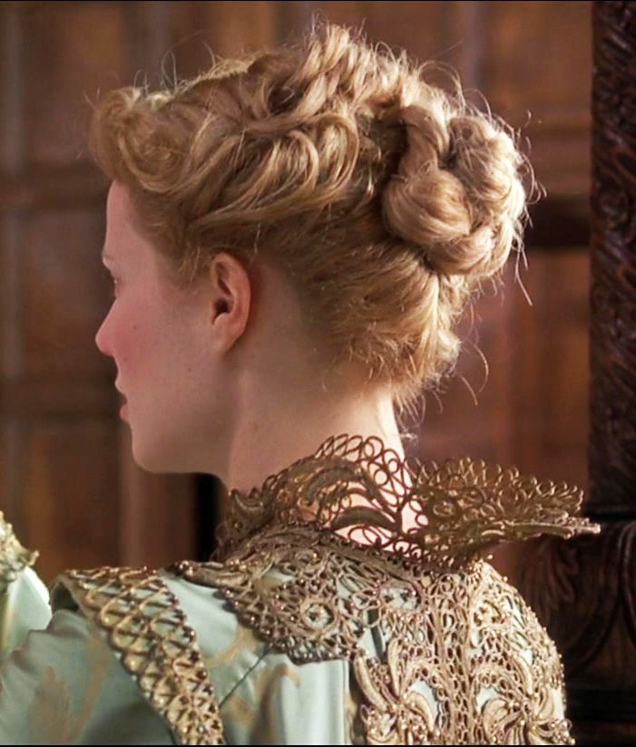 Need help with theater class question about the movie Shakespeare in Love..HELP?