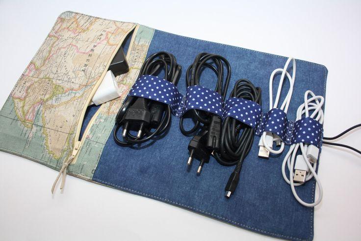 Praktische kabel organizer Charger Holder, Cord Storage, Charger Travel Bag, Cord Caddy, Charger Keeper, Cord Holder, Cord Pouch, Cord Bag by TASAMA on Etsy https://www.etsy.com/listing/486766931/praktische-kabel-organizer-charger