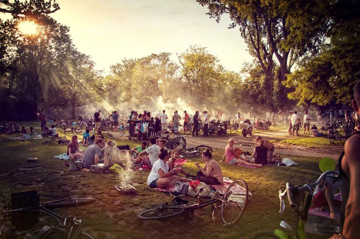 The life of Vondel Park on a sunny day in Amsterdam.