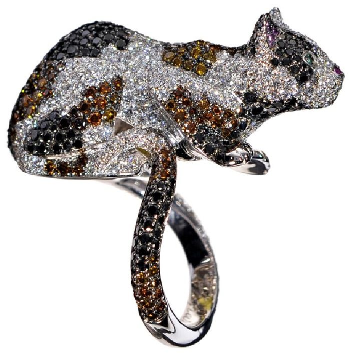 Cat ring, in white gold set with white, yellow, brown and black diamonds  (Pictures from Paris Joaillerie)  http://www.chopard.com