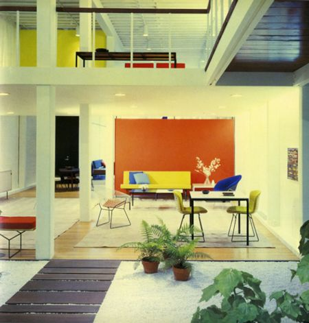 Florence Knoll is most noted for some of the interiors she worked on when she ran the Knoll Planning Unit.