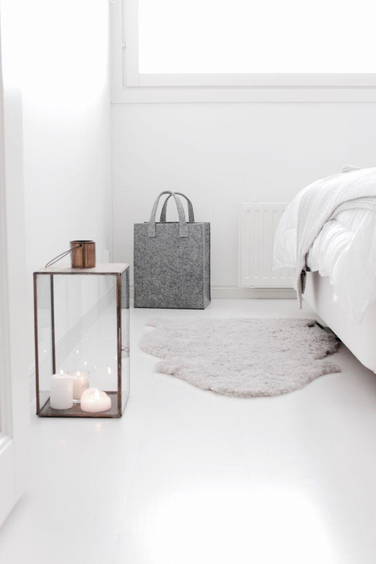 Soft white bedroom