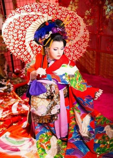 Oiran shoot in japan. Model Jocelyn Lothian #oiran #japan #oirankatsura #kanzashi #kimono