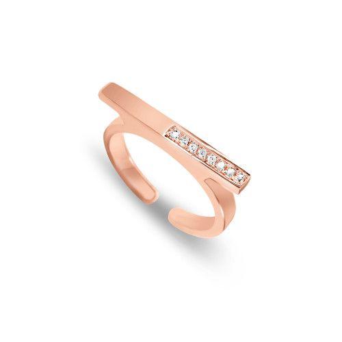 Deze elegante en moderne ring is vervaardigd uit sterling zilver verguld met 18 karaat geel, roos of wit goud en bezet met 8 diamanten.