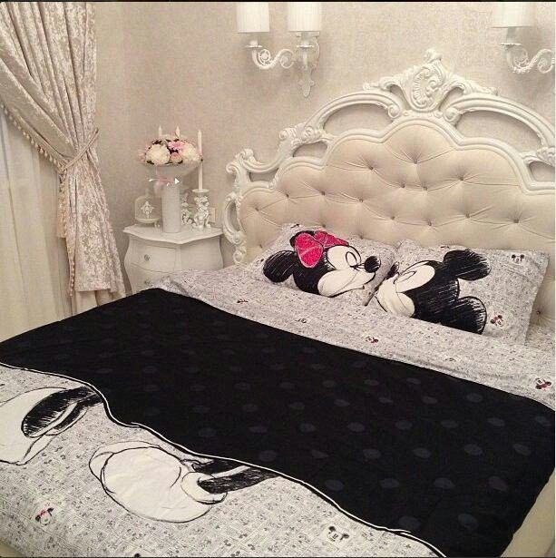 Minnie And Mickey Bed Cover Disney Decor Pinterest