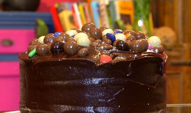 Willy Wonka Style Chocolate Cake : Food : The Home Channel