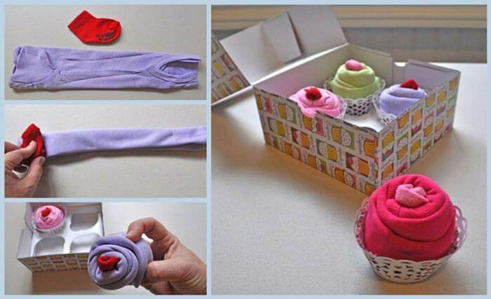 Met enkele rompertjes en babykousjes maak je in geen tijd een kleurrijk doosje vol cupcakes! #babyborrel #gifts #ideas