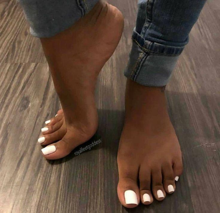 Pin By Aleksandar Stefanovic On Beautiful Lady Feet Toe Nails White Acrylic Toe Nails Acrylic Toes