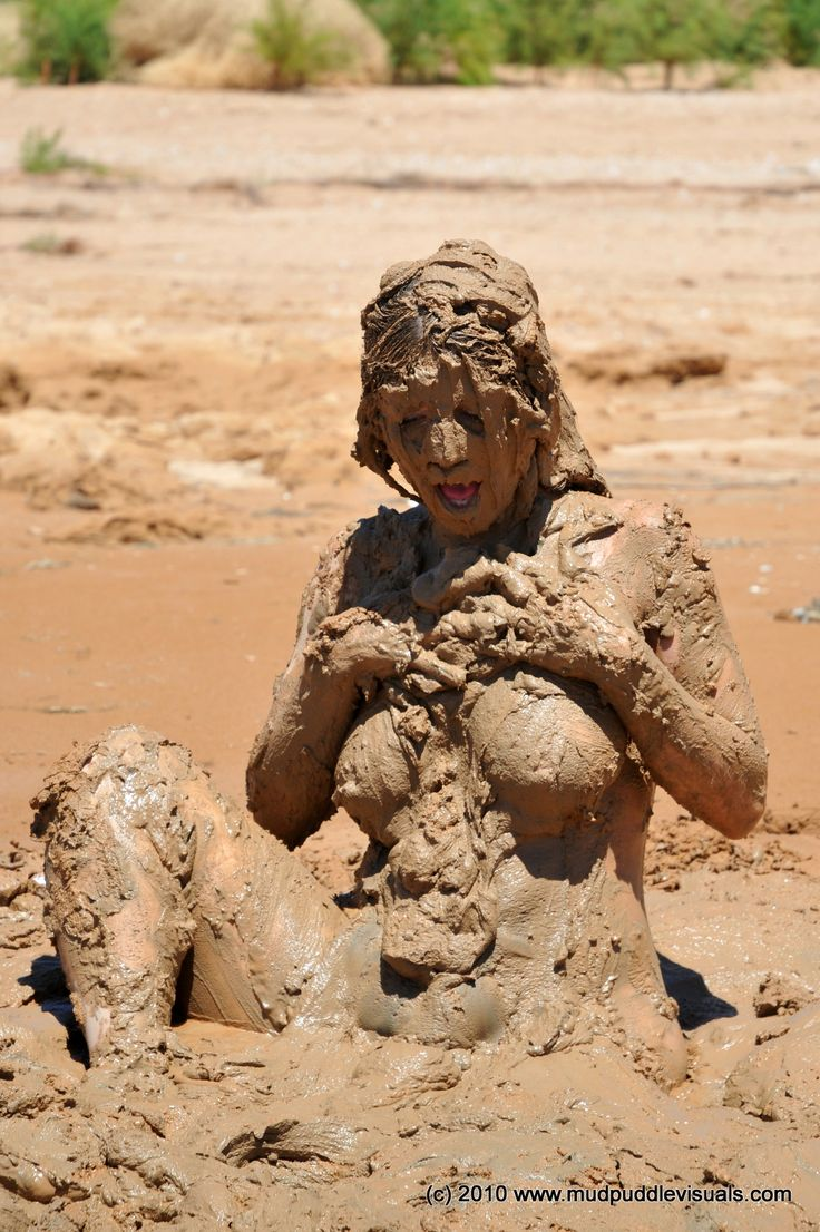 Mud girls riding nude, fucking a beautiful woman