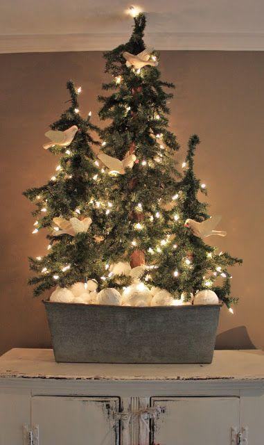 Best 25 Primitive Christmas Tree Ideas On Pinterest Xmas Tree  - Country Decorated Christmas Trees