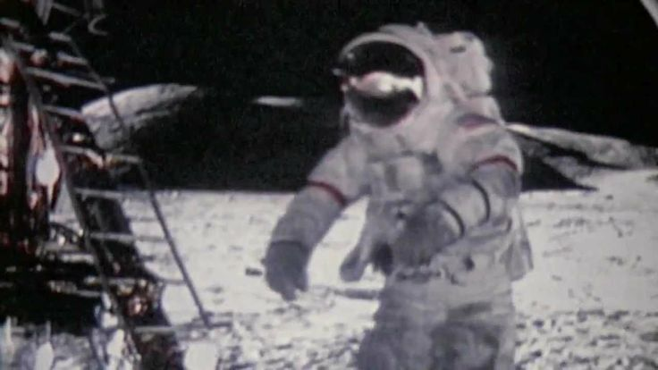 Apollo 17 mission (1972), Eugene Cernan the last man on the moon, Discov...