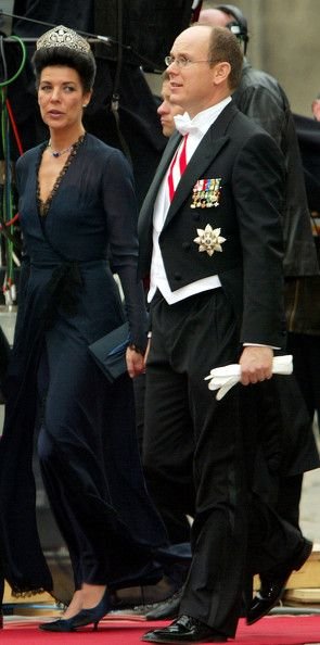 Le prince Albert de Monaco (pas encore souverain en 2004) et sa soeur Caroline