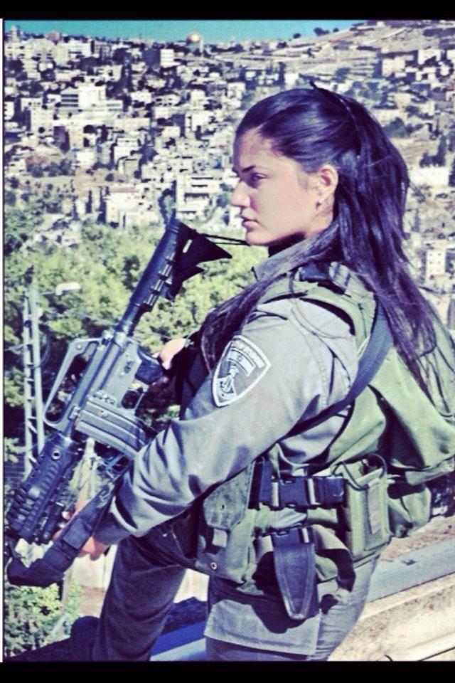 IDF - http://www.rgrips.com/en/article/76-blaser-b95