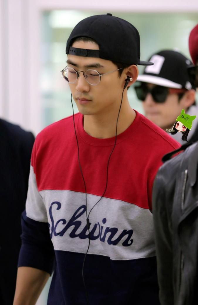 09112014 Taecyeon at Gimpo Airport