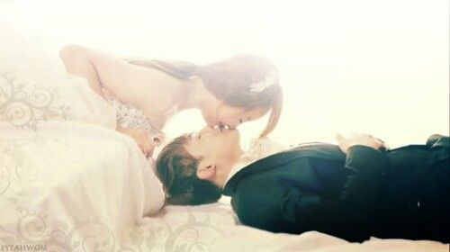 Nichkhun + Victoria = Khuntoria love them for ever, and they are the best and the most romantic couple ever <3 fighting! ^.^