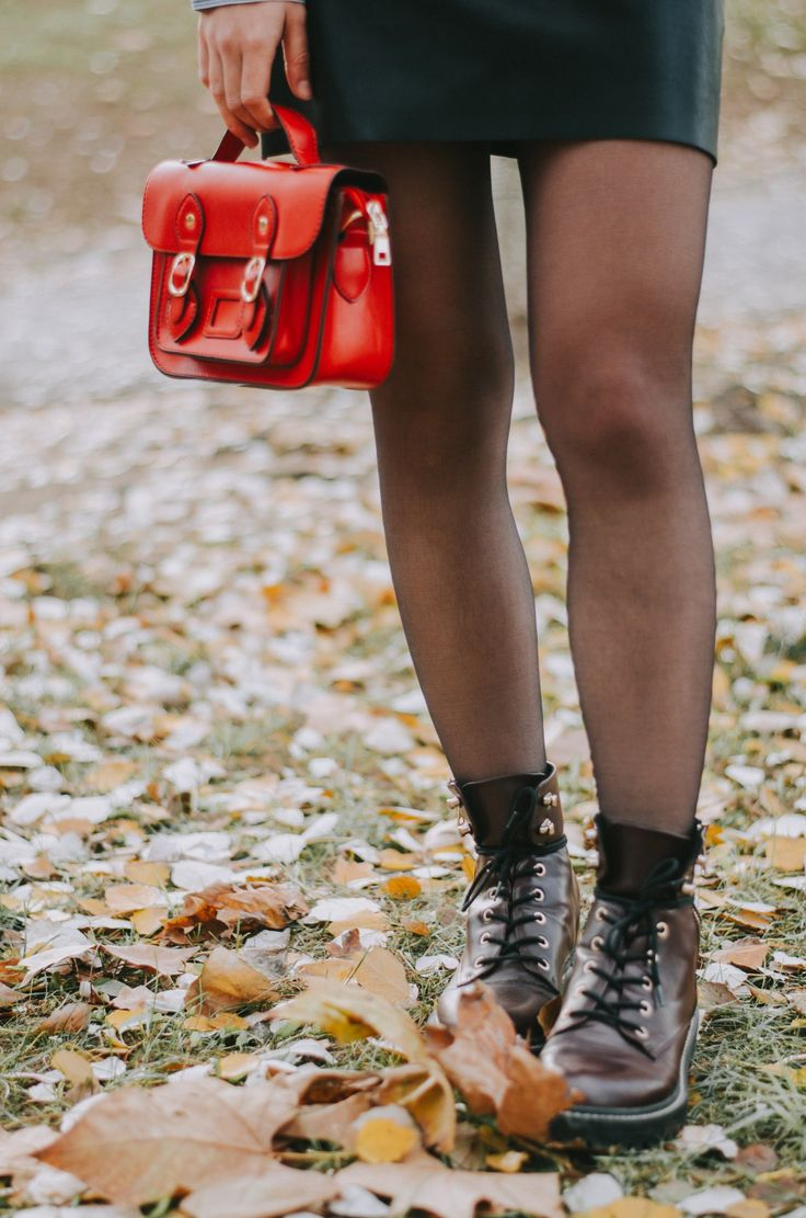 Fal outfit ideas, cute fall outfits, college outfit ideas, fall fashion, winter fashion, fall inspiration, fall outfits, fall outfit inspiration, combat boots, red purse, Sammydress, blog post, blogger style, woman style, Fall style.