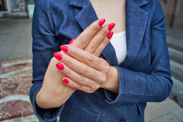 Gesty o właściwościach leczniczych czyli joga dłoni.   PSYCHOLOGIA WYGLĄDU